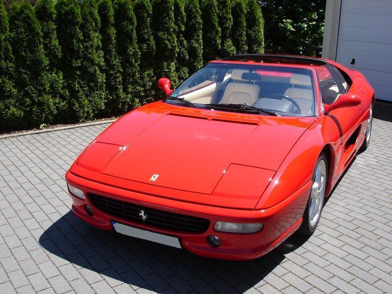 Ferrari 001.jpg