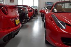 Ferraris wie Sand am Meer