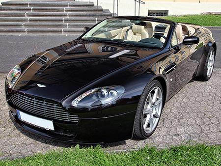 Aston Martin Vantage V8.jpg