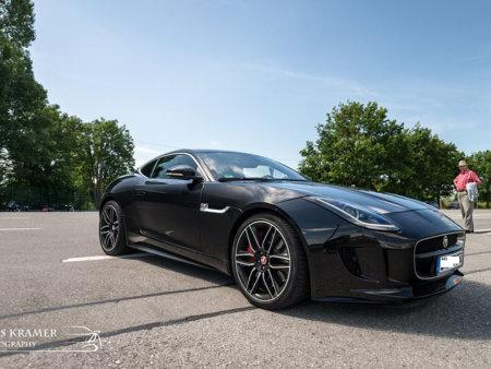 Jaguar F-Type R.jpg