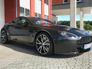 39_Aston Martin Vantage S.JPG
