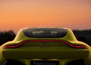 Aston_Martin-Vantage-2019-1600-28.thumb.jpg.d284f6db1a8fd214fe3f54ea25c5df9c.jpg