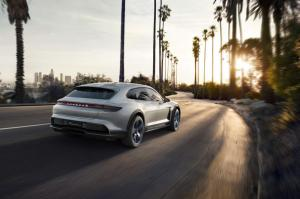 Porsche-Mission-E-Cross-Turismo-Concept-15.thumb.jpg.a1dd9f4c4ff1b9a86019bd365c83d7af.jpg