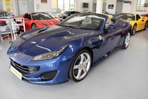 Ferrari Portofino Blu tour de France