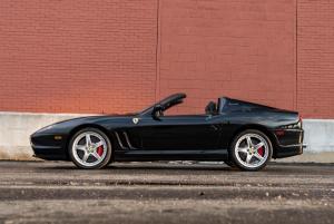 2005-Ferrari-575-Superamerica_4.thumb.jpg.2d21dc13f0b3b93fb0a01213e8424d68.jpg