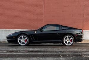2005-Ferrari-575-Superamerica_5.thumb.jpg.3e54001a8d2b981a7a6f8baa59e20e7b.jpg