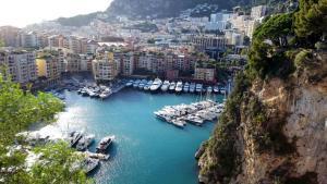 Monaco Yachten 3 klein.jpg