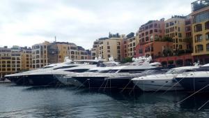 Monaco Yachten 1 klein.jpg