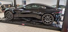 Aston Martin New Vantage Coupé, uni schwarz
