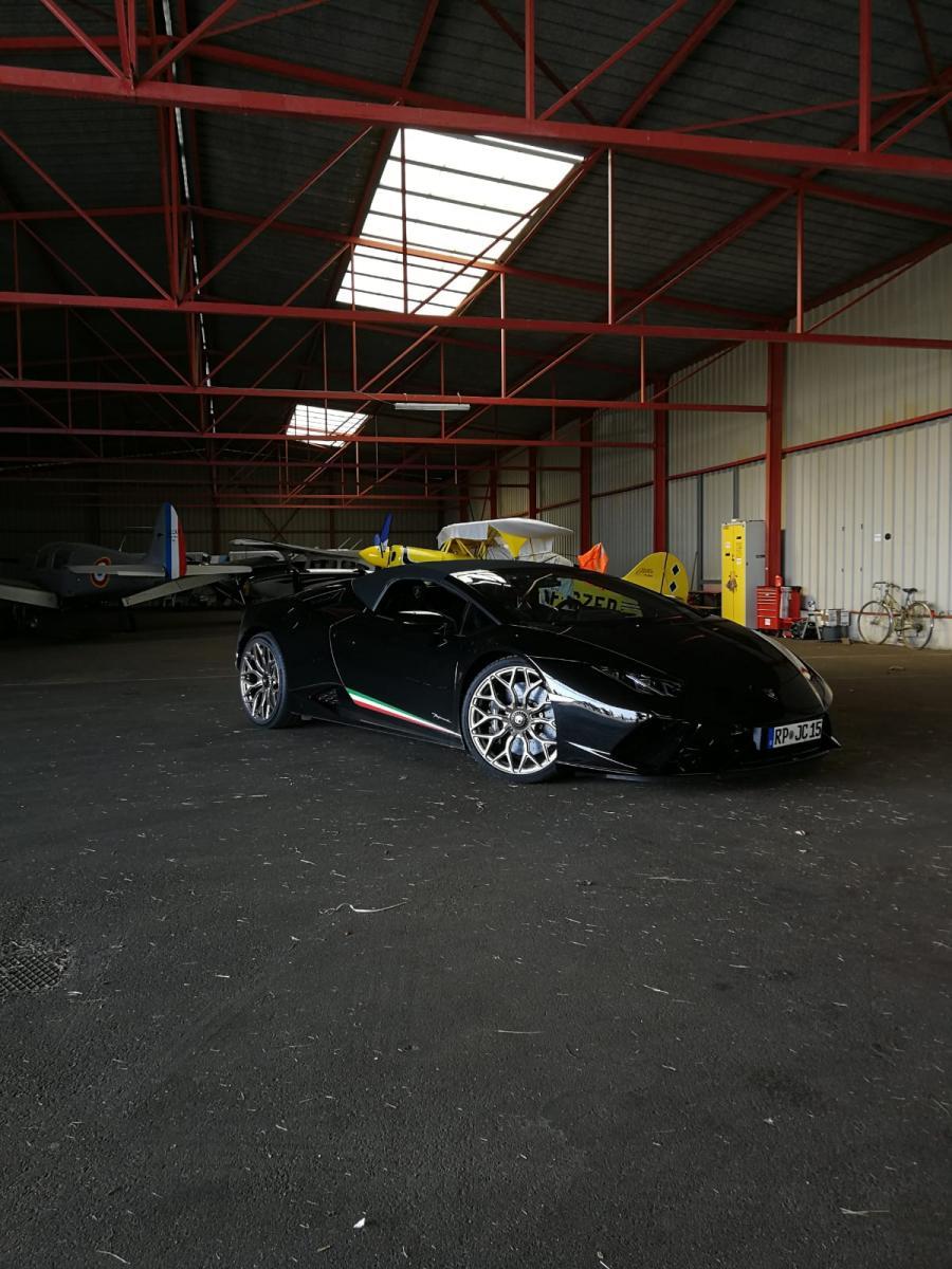 Lamborghini Huracán Performante Sypder BLACK BEAUTY