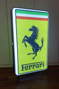 FERRARI Leuchtreklame Neon Reklame Werbung Schriftzug