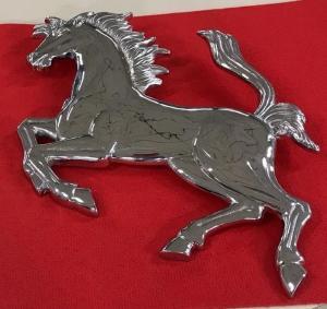 Tänzelndes Pferd Wand Aluminium Anhang